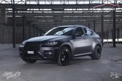 studio-ales-car-wrap-polep-aut-design-x6-black-matt-white-matt-celopolep