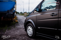 car-wrap-design-studio-ales-polep-aut-mercedes-viano-black-matt-cerna-matna-kpmf-2