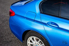studio-ales-car-wrap-polep-aut-celopolep-polepaut-bmw-530D-avery-bright-blue-metallic-6