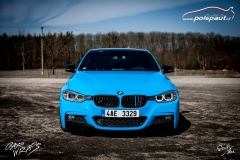 studio-ales-car-wrap-polep-aut-celopolep-bmw-mperformance-avery-light-blue-vinyl-wrap-8