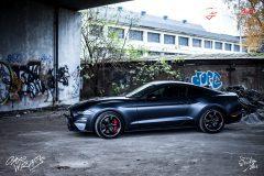 studio-ales-car-wrap-polep-aut-celopolep-polepaut-mustang-kpmf-magnetic-black-3-scaled