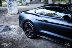studio-ales-car-wrap-polep-aut-celopolep-polepaut-mustang-kpmf-magnetic-black-7-scaled