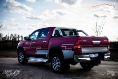 studio-ales-car-wrap-polep-aut-design-car-toyota-hilux-avery-cherry-matte-metallic-10