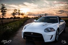 car-wrap-design-studio-ales-polep-aut-jaguar-xkr-cabrio-white-avery-halftone-5