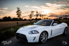 car-wrap-design-studio-ales-polep-aut-jaguar-xkr-cabrio-white-avery-halftone-6