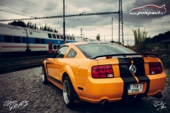 car-wrap-design-studio-ales-polep-aut-ford-mustang-pruhy-stripes-4