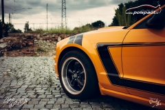 car-wrap-design-studio-ales-polep-aut-ford-mustang-pruhy-stripes-5