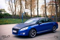 car-wrap-design-studio-ales-polep-aut-Peugeot-508-gt-Arlon-daytona-blue-and-brushed-black