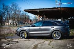 studio-ales-car-wrap-polep-aut-celopolep-polepaut-Porsche-Cayenne-Avery-dark-basalt-satin-1