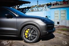 studio-ales-car-wrap-polep-aut-celopolep-polepaut-Porsche-Cayenne-Avery-dark-basalt-satin-8