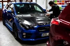 studio-ales-car-wrap-polep-aut-design-subaru-gloss-carbon