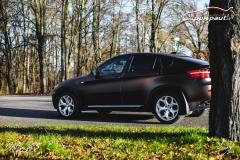 studio-ales-car-wrap-polep-aut-design-X6-KPMF-matt-java-brown-7