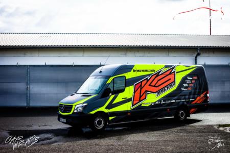 https://polepaut.cz/wp-content/uploads/2019/07/car-wrap-design-studio-ales-polep-aut-reklama-na-auto-polep-aut-dodavky-metalltech-iks-racing-2-450x300.png